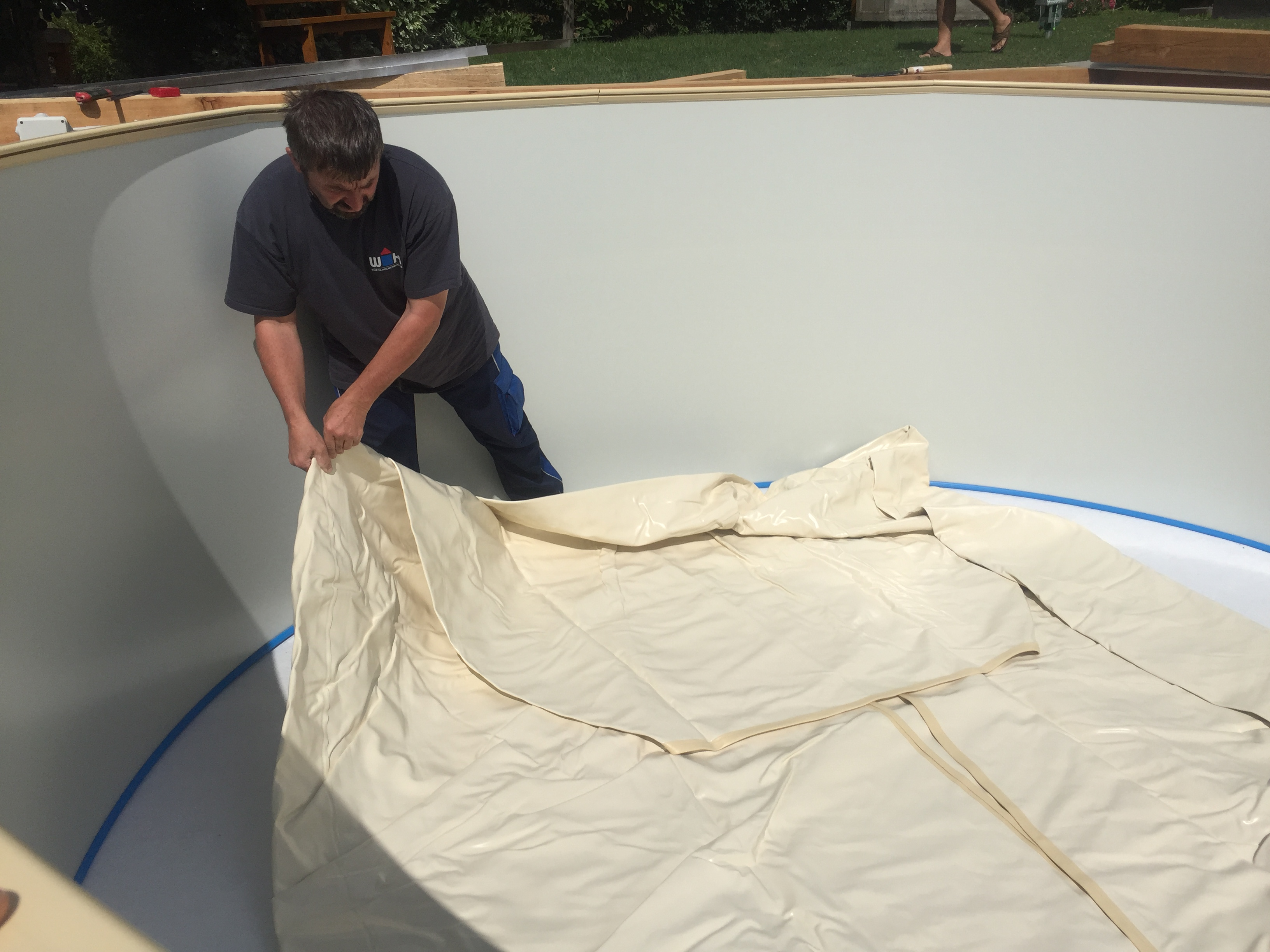 Rundpool prime 250 x 90 cm einzelpool apoolco for Poolfolie montieren